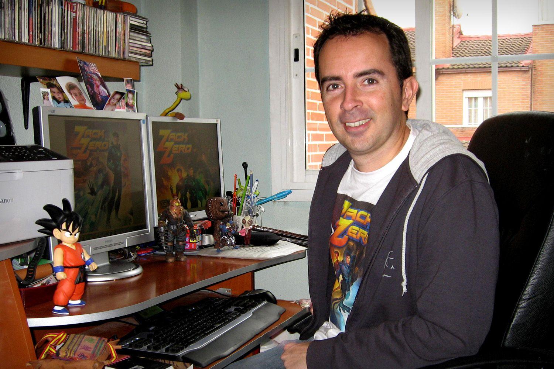 Alberto Moreno, uno de los desarrolladores con más PC Fútbol a sus espaldas y también uno de los principales protagonistas del libro
